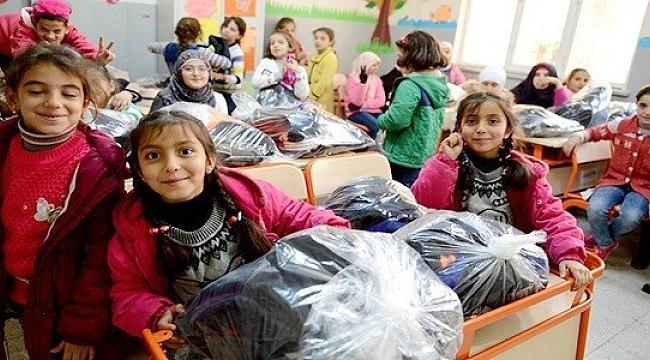 Türk Kızılayından Suriyeli sığınmacılara yardım